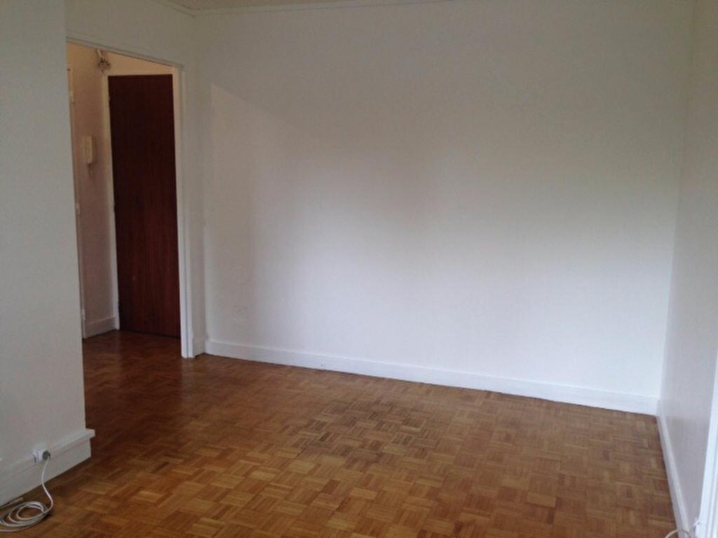 Appartement à louer 2 35.4m2 à Bourg-la-Reine vignette-5