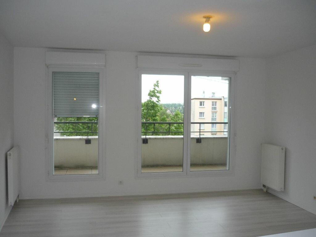 Appartement à louer 2 45.63m2 à Fresnes vignette-2