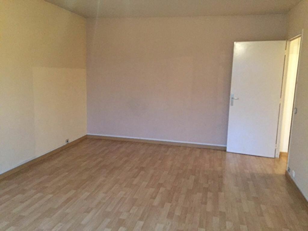 Appartement à louer 3 63.34m2 à Bourg-la-Reine vignette-3