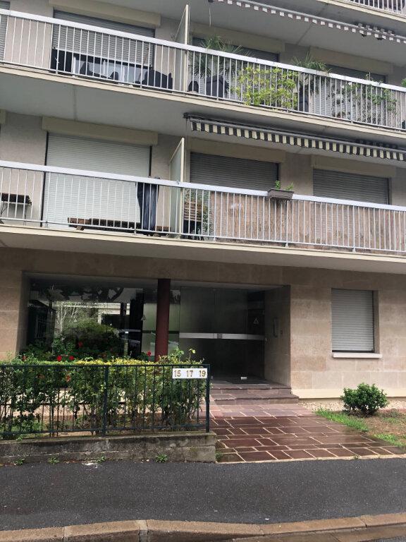 Appartement à louer 1 25.19m2 à Bourg-la-Reine vignette-1