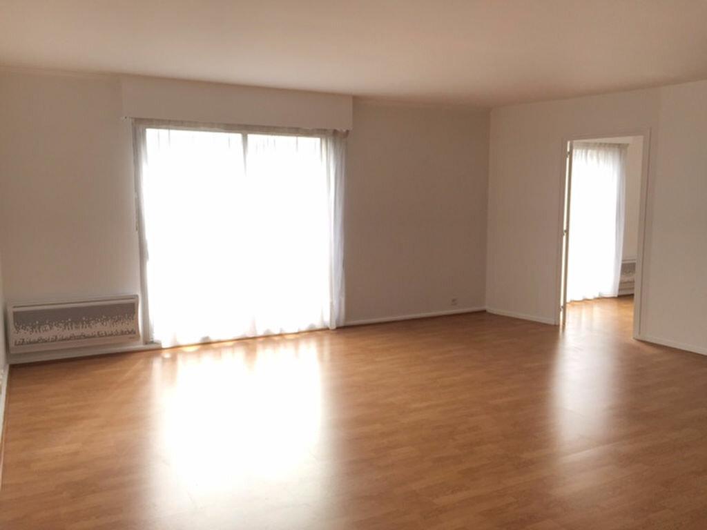Appartement à louer 3 76.65m2 à Bourg-la-Reine vignette-1