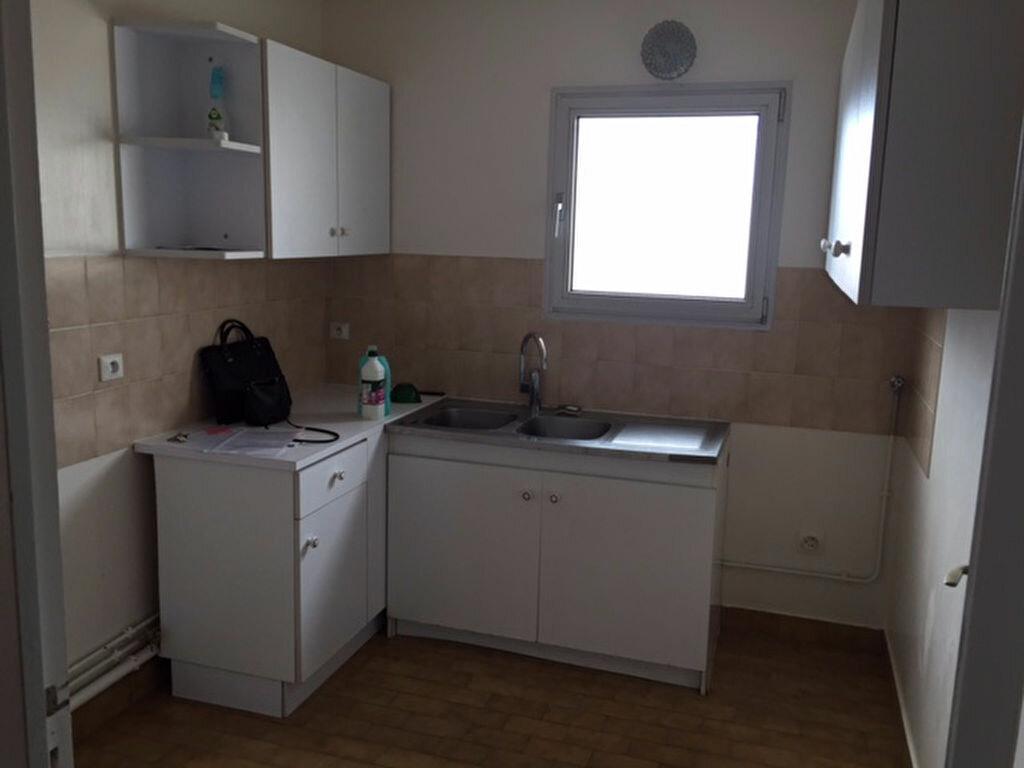 Appartement à louer 3 76.65m2 à Bourg-la-Reine vignette-3