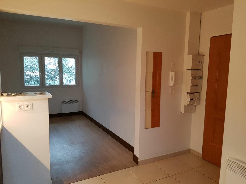 Appartement à louer 1 27.15m2 à Bourg-la-Reine vignette-1