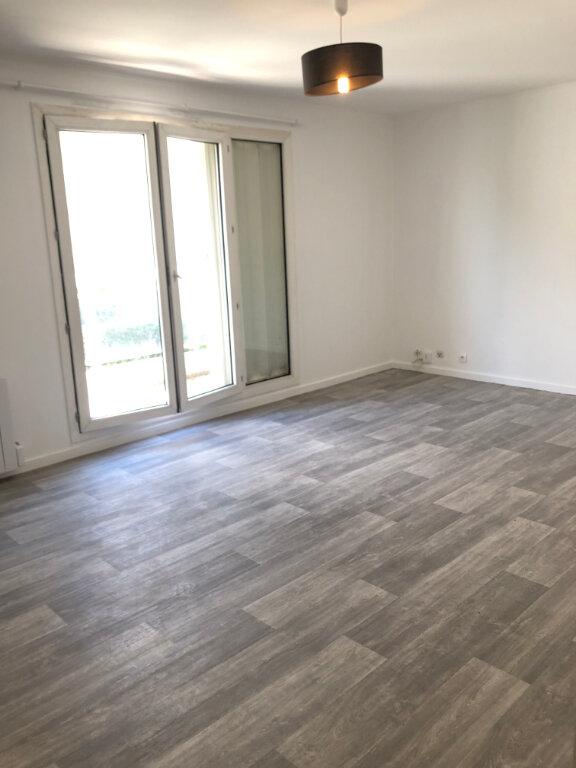 Appartement à louer 3 68.02m2 à Fontenay-aux-Roses vignette-2