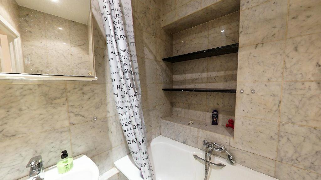 Appartement à louer 1 27.76m2 à Paris 1 vignette-4