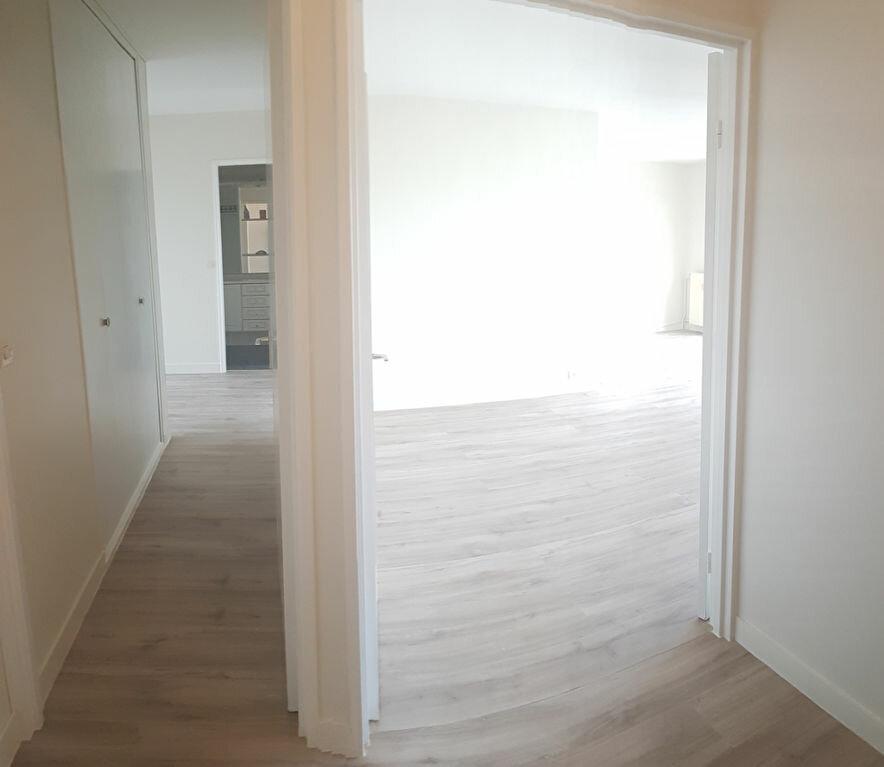 Appartement à louer 4 84.18m2 à Cachan vignette-4