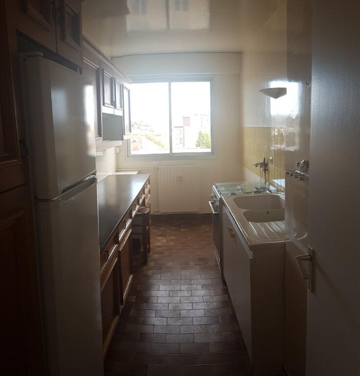 Appartement à louer 4 84.18m2 à Cachan vignette-6