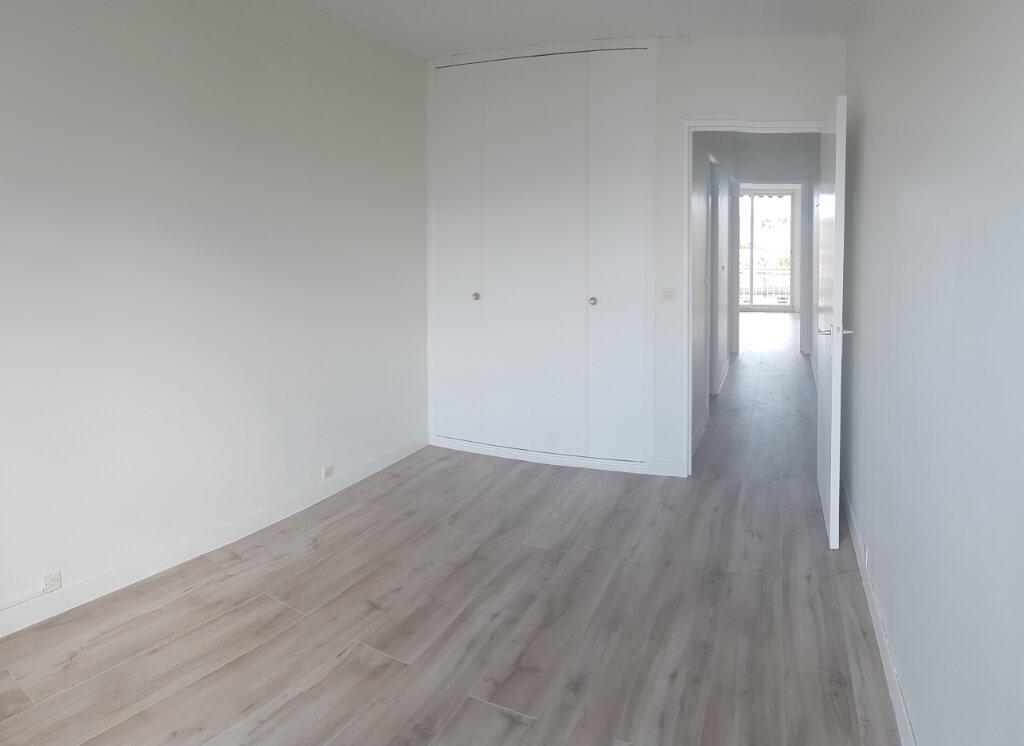 Appartement à louer 4 84.18m2 à Cachan vignette-7