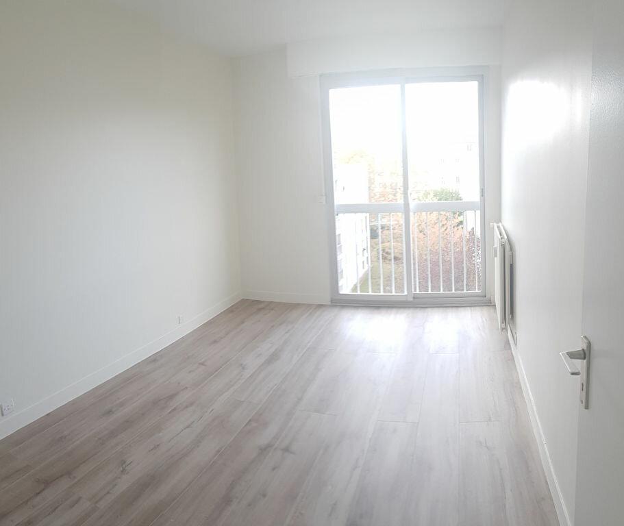 Appartement à louer 4 84.18m2 à Cachan vignette-8