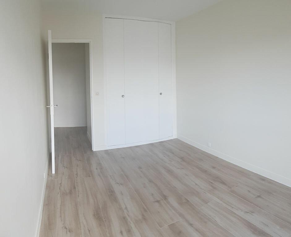 Appartement à louer 4 84.18m2 à Cachan vignette-9
