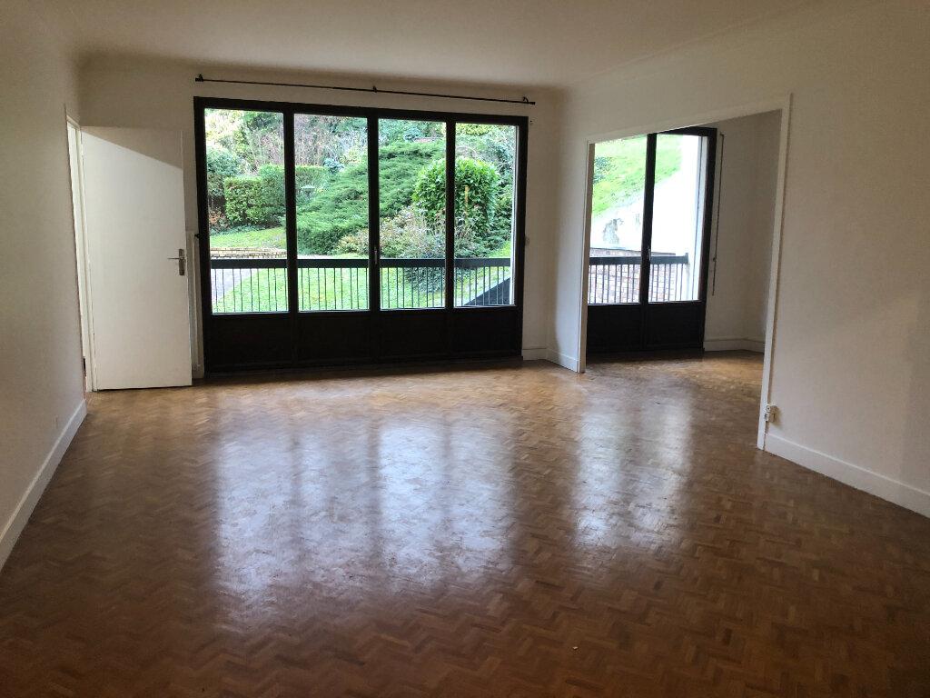 Appartement à louer 5 121.03m2 à Fontenay-aux-Roses vignette-2