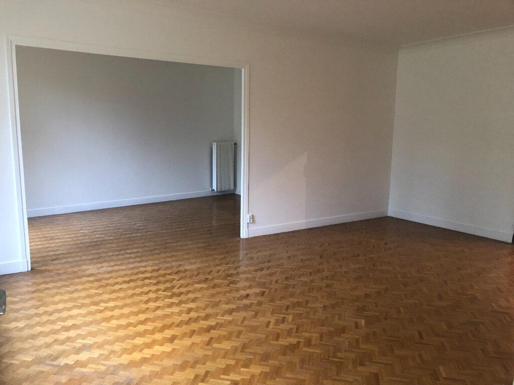 Appartement à louer 5 121.03m2 à Fontenay-aux-Roses vignette-3