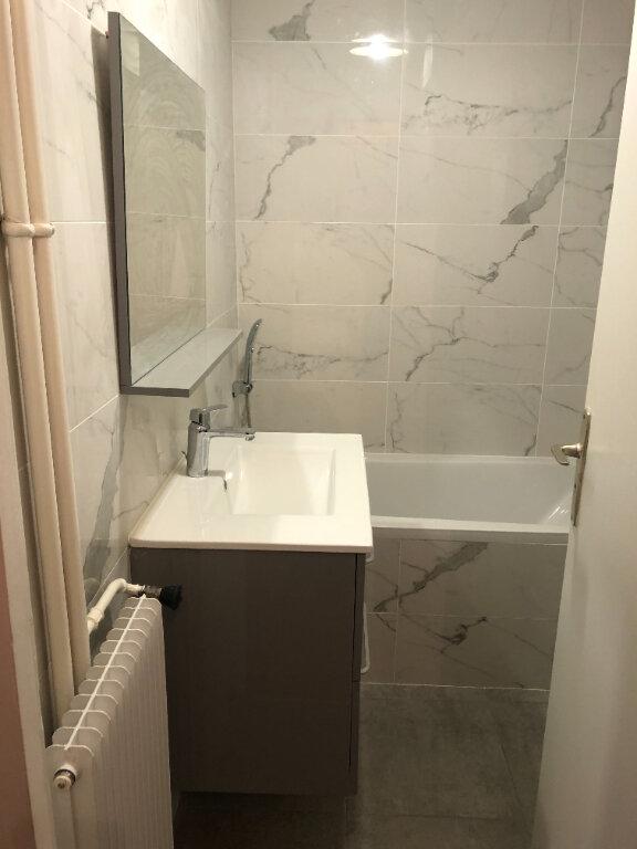 Appartement à louer 5 121.03m2 à Fontenay-aux-Roses vignette-8
