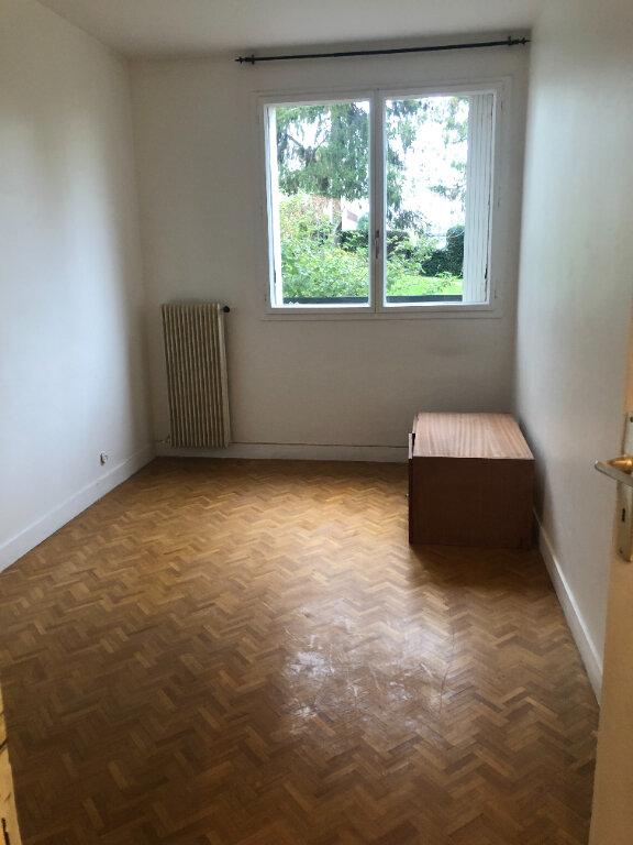 Appartement à louer 5 121.03m2 à Fontenay-aux-Roses vignette-11