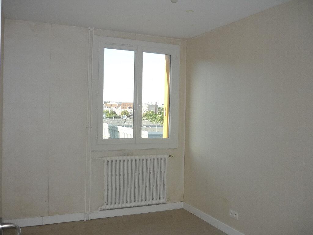 Appartement à louer 4 67.48m2 à Thiais vignette-7