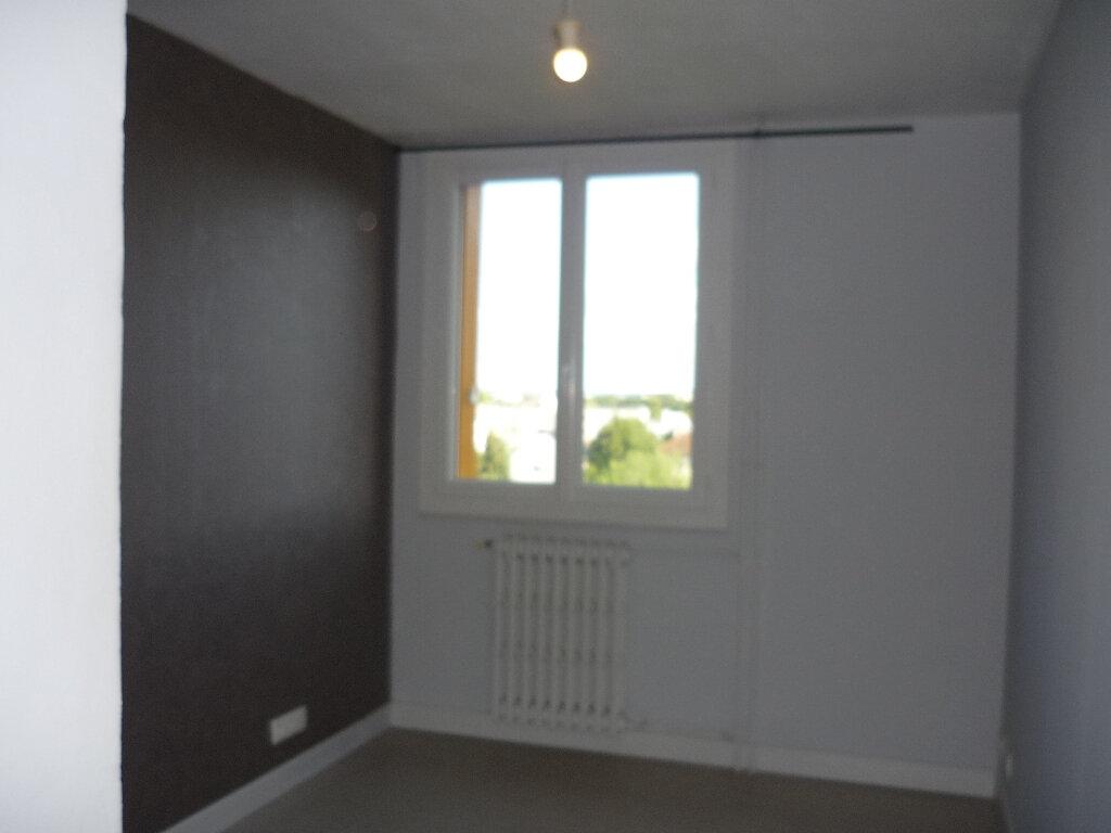 Appartement à louer 4 67.48m2 à Thiais vignette-8