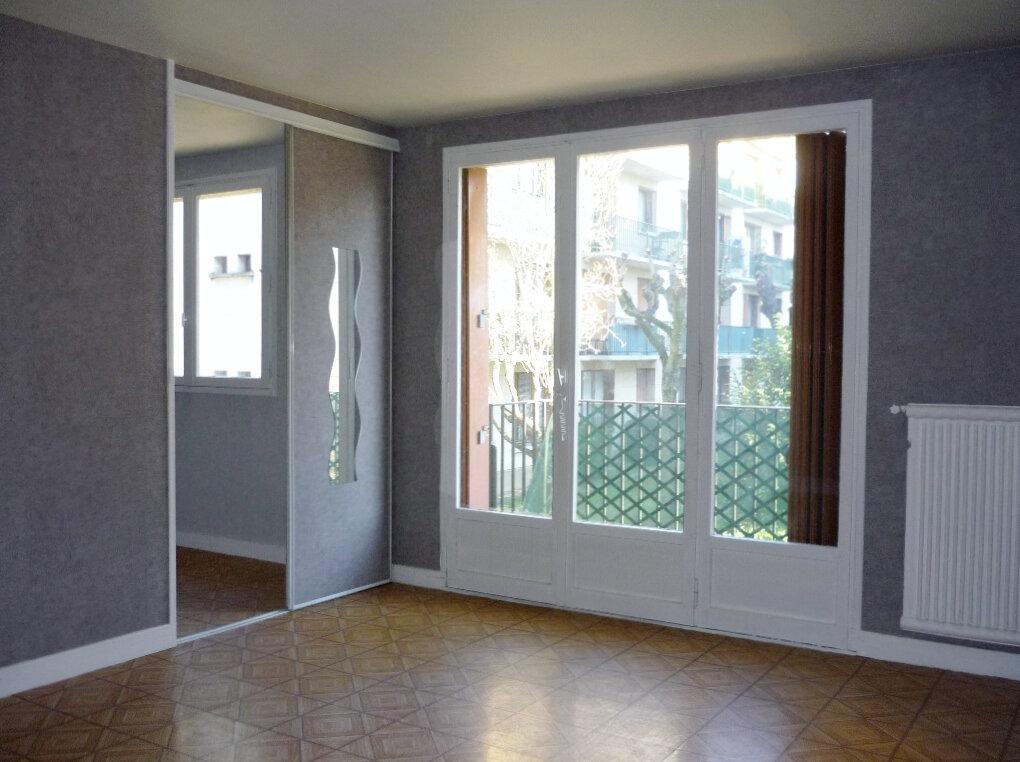 Appartement à louer 2 40.69m2 à Chevilly-Larue vignette-1