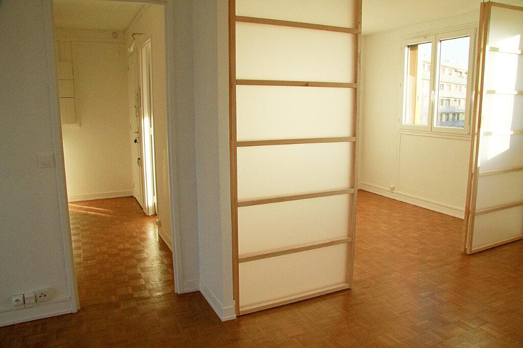 Appartement à louer 3 55.11m2 à L'Haÿ-les-Roses vignette-3