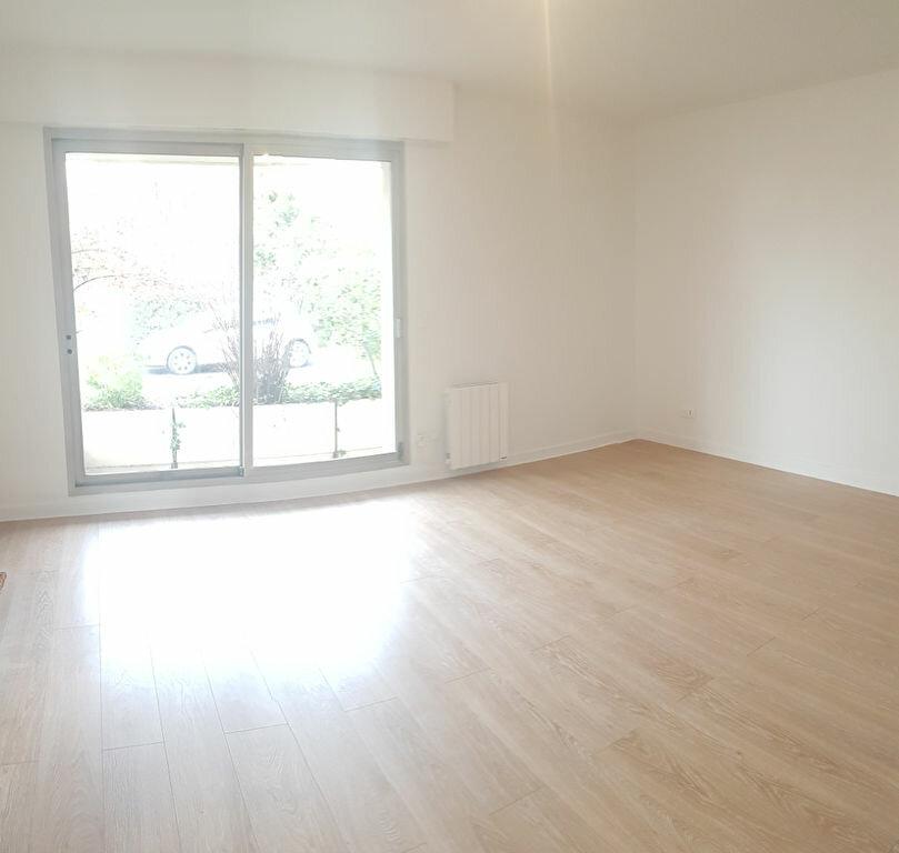 Appartement à louer 2 57.54m2 à Bourg-la-Reine vignette-1