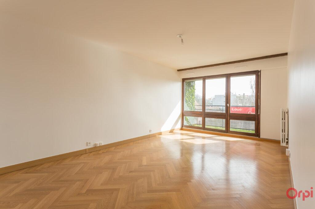Appartement à louer 3 62.84m2 à Fontenay-aux-Roses vignette-1