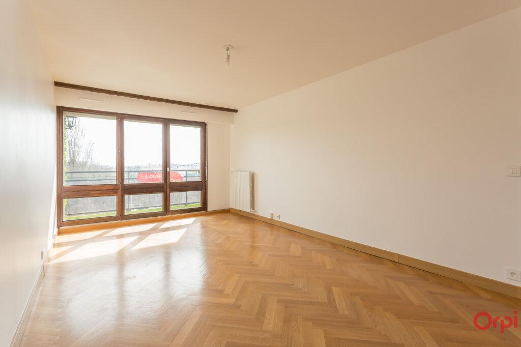 Appartement à louer 3 62.84m2 à Fontenay-aux-Roses vignette-2