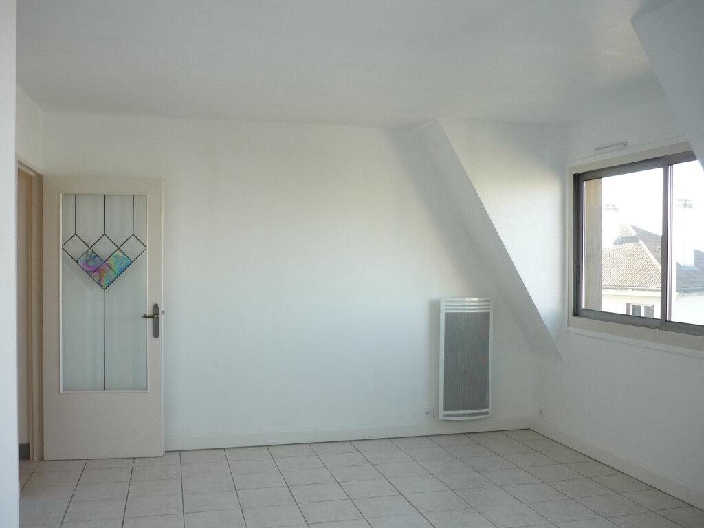 Appartement à louer 3 55.87m2 à L'Haÿ-les-Roses vignette-2