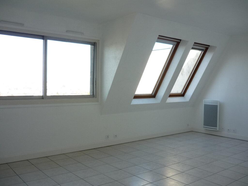 Appartement à louer 3 55.87m2 à L'Haÿ-les-Roses vignette-3