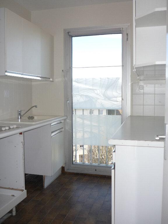 Appartement à louer 3 55.87m2 à L'Haÿ-les-Roses vignette-5