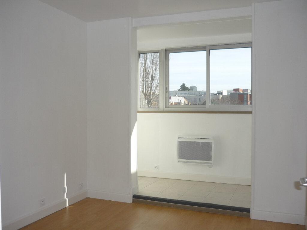 Appartement à louer 3 55.87m2 à L'Haÿ-les-Roses vignette-8