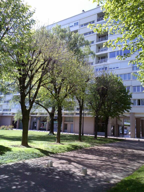 Appartement à louer 2 56.74m2 à Antony vignette-1