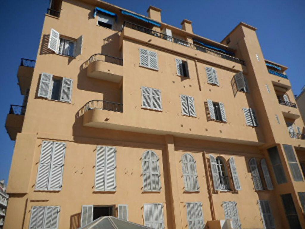 Appartement à vendre 3 77.08m2 à Nice vignette-1