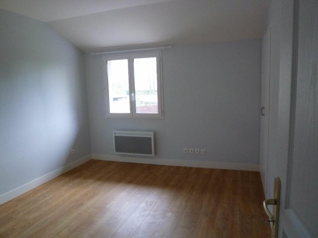 Appartement à louer 2 42m2 à Magny-en-Vexin vignette-2