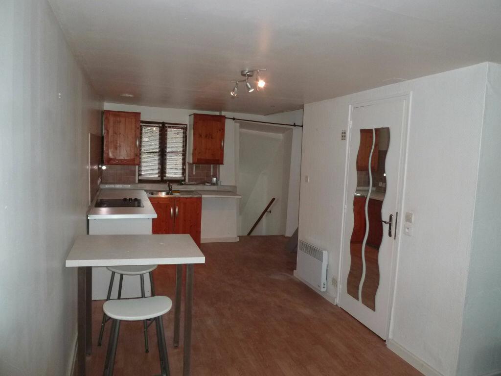 Appartement à louer 2 29m2 à Magny-en-Vexin vignette-2
