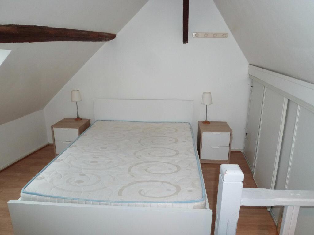 Appartement à louer 2 29m2 à Magny-en-Vexin vignette-3