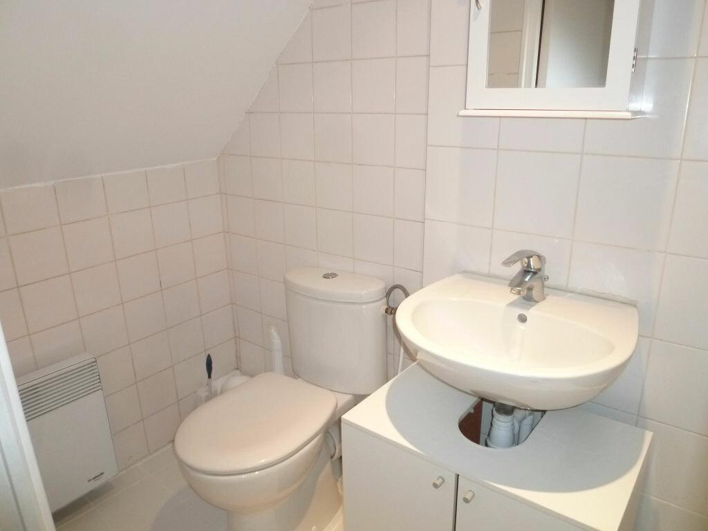 Appartement à louer 2 29m2 à Magny-en-Vexin vignette-4