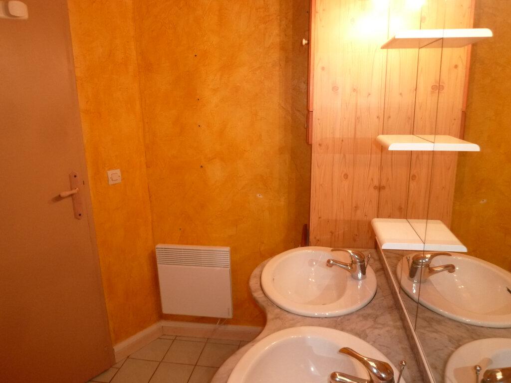 Appartement à louer 1 29.7m2 à Magny-en-Vexin vignette-4