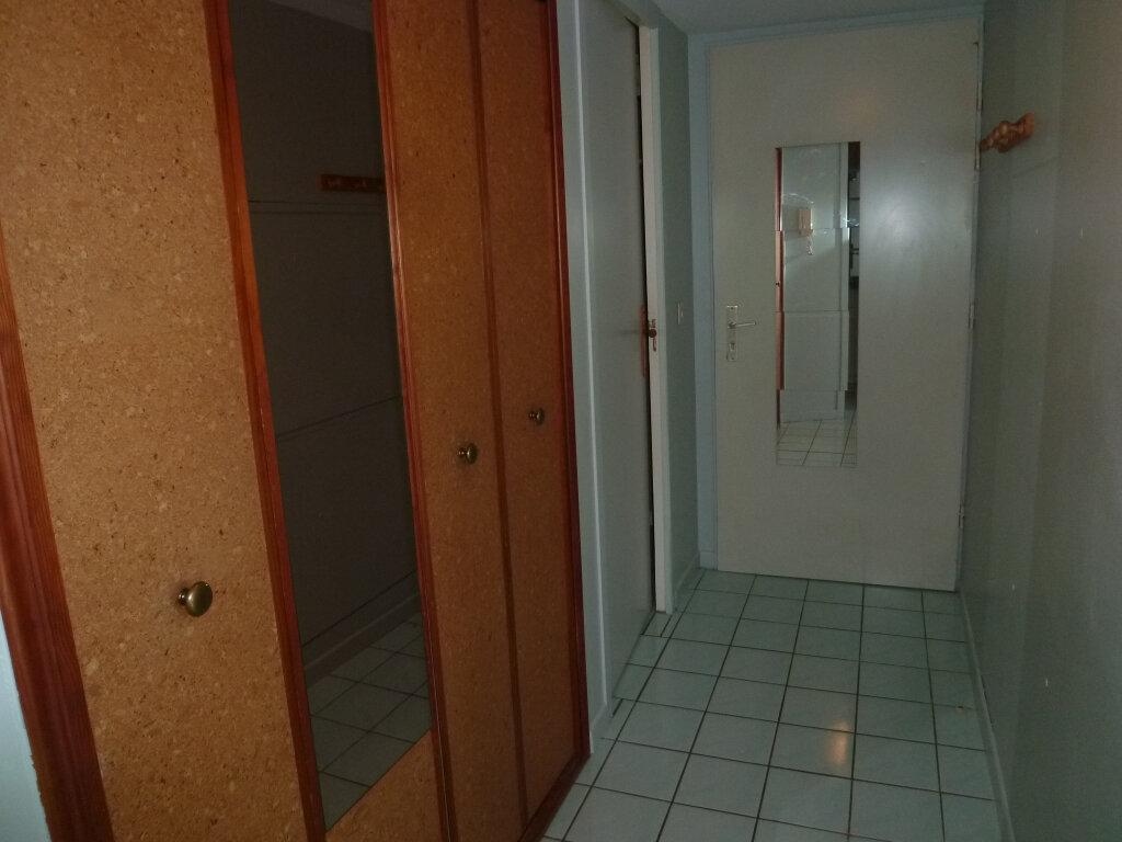 Appartement à louer 1 29.7m2 à Magny-en-Vexin vignette-6