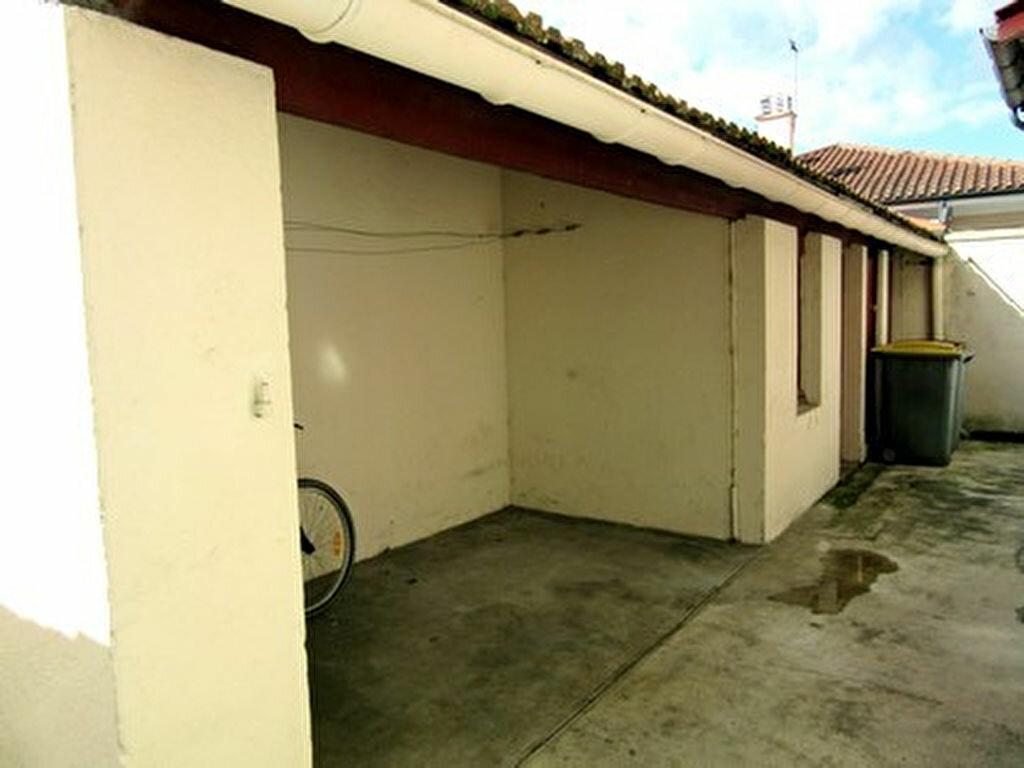 Appartement à louer 1 35m2 à Tarbes vignette-6