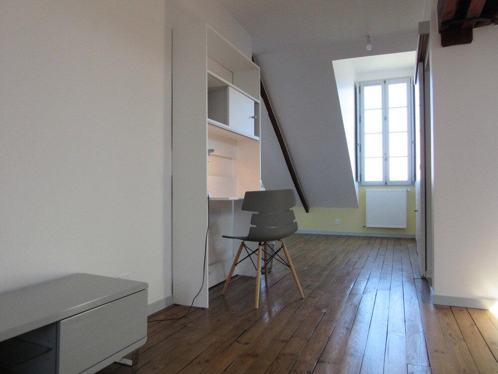 Appartement à louer 1 30m2 à Vic-en-Bigorre vignette-10