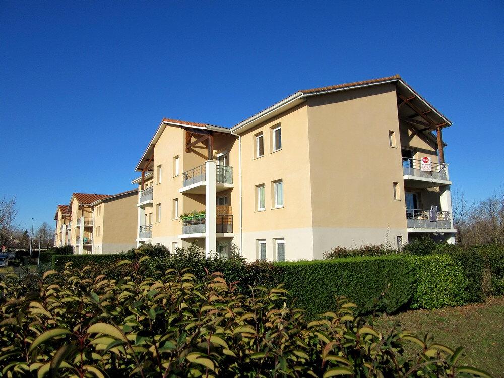 Appartement à vendre 3 62m2 à Vic-en-Bigorre vignette-1