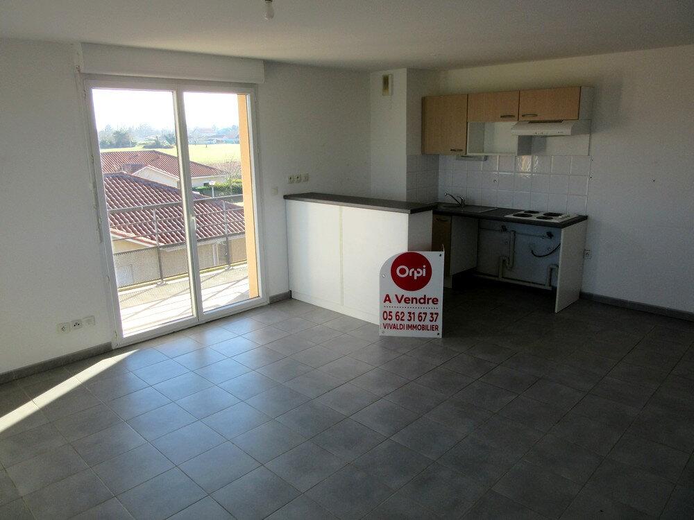 Appartement à vendre 3 62m2 à Vic-en-Bigorre vignette-2