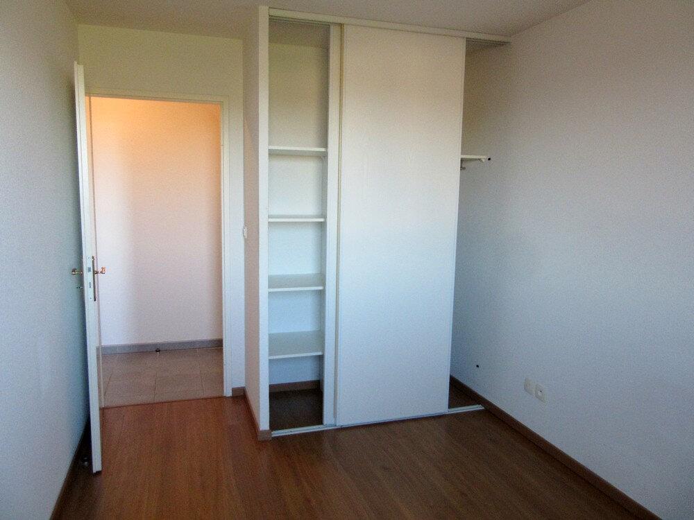 Appartement à vendre 3 62m2 à Vic-en-Bigorre vignette-5