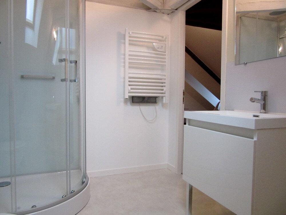 Appartement à louer 1 25m2 à Vic-en-Bigorre vignette-6
