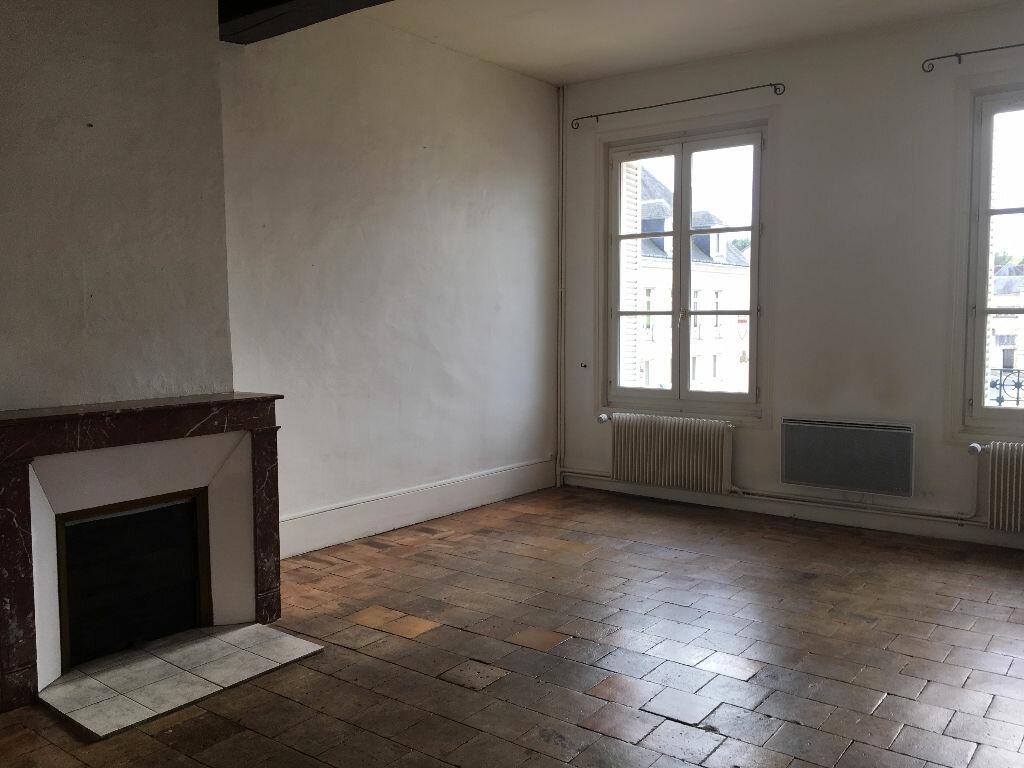 Appartement à louer 4 90m2 à Montoire-sur-le-Loir vignette-2
