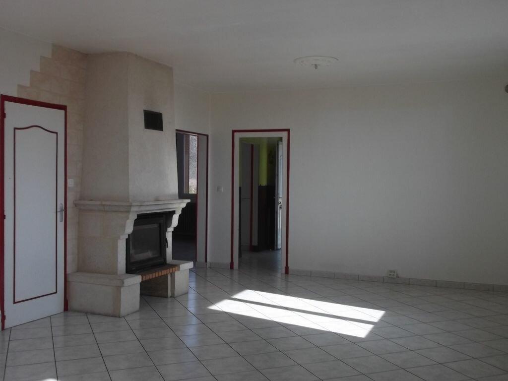 Maison à louer 7 142m2 à Villiers-au-Bouin vignette-3