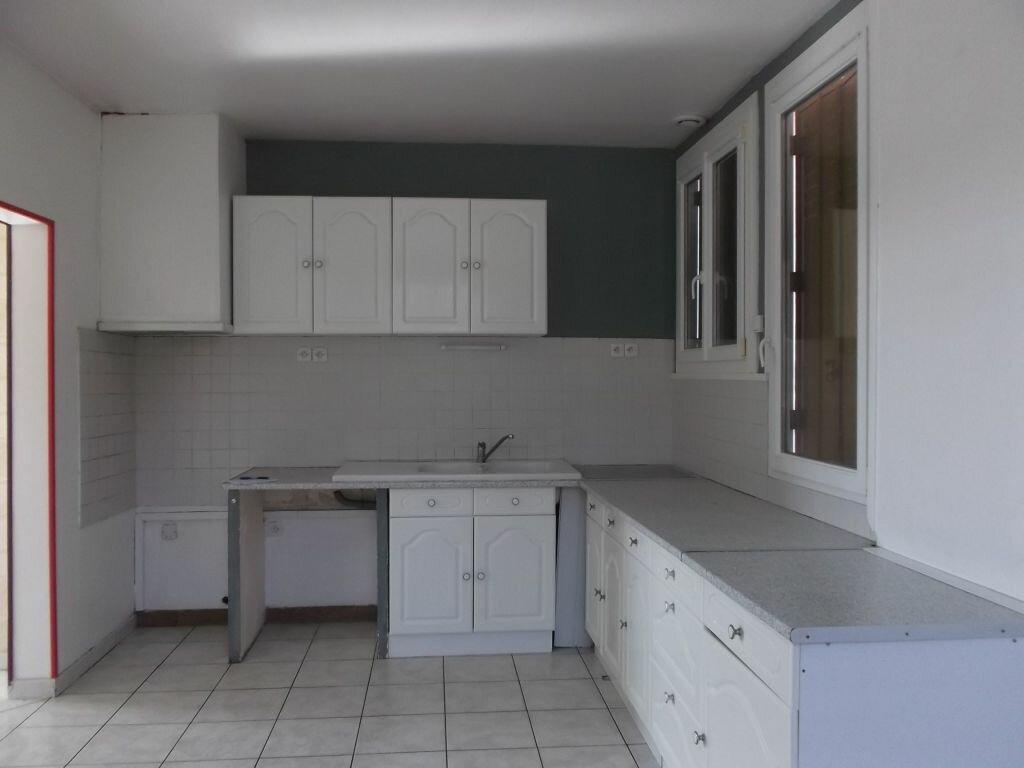Maison à louer 7 142m2 à Villiers-au-Bouin vignette-4
