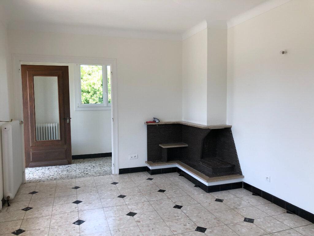Maison à louer 4 109m2 à Saint-Cyr-du-Gault vignette-3