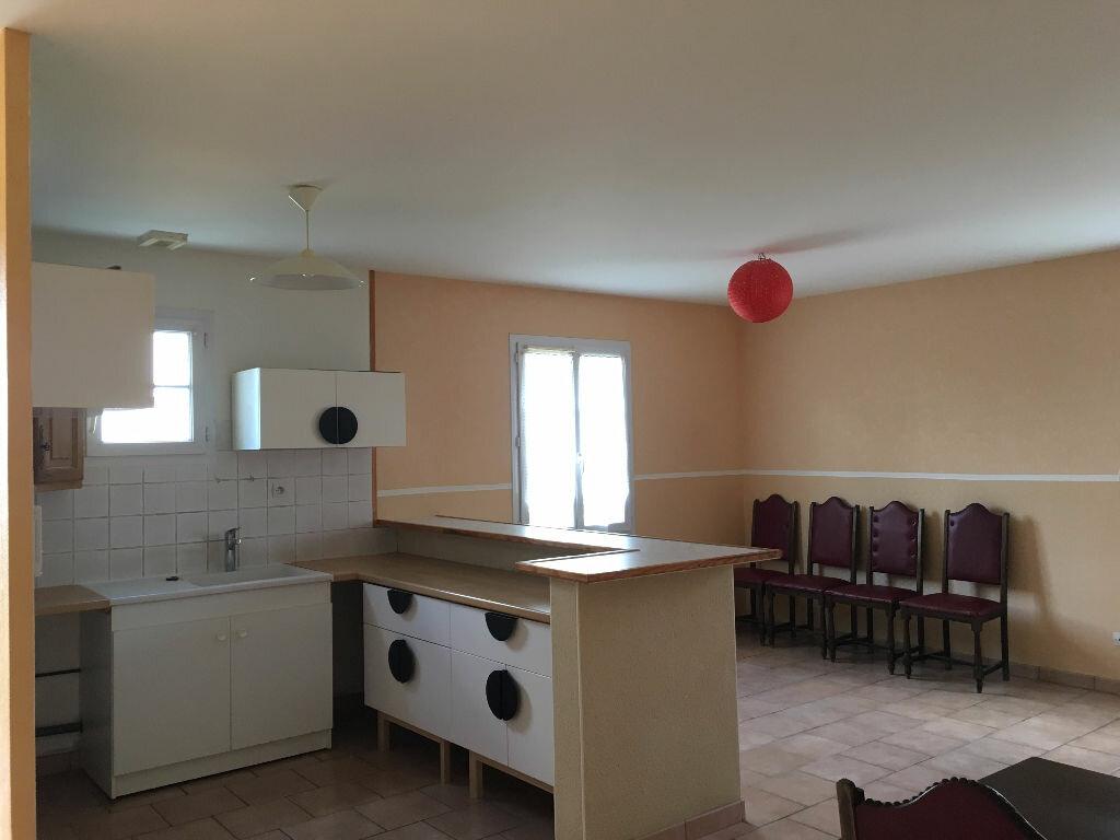 Maison à louer 4 77m2 à Château-Renault vignette-1