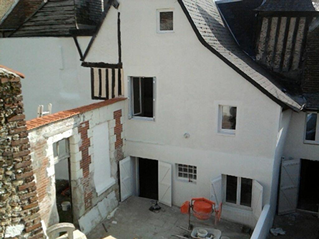 Maison à louer 5 120m2 à Château-Renault vignette-2