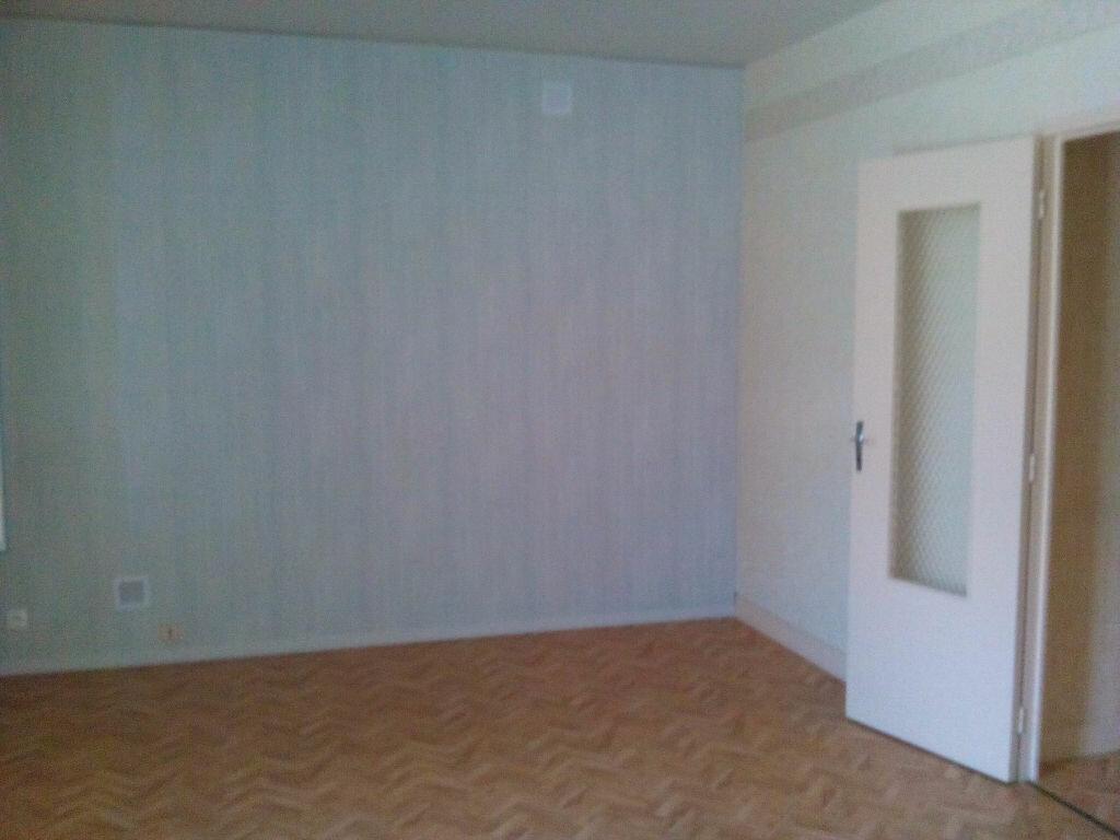 Maison à louer 3 69m2 à Authon vignette-4